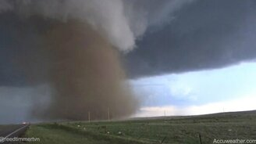 Смотреть Мощь стихии торнадо