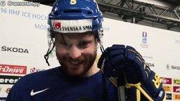 Смотреть Хоккеисты говорят по-русски