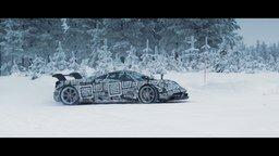 Смотреть Езда на спорткаре по снегу