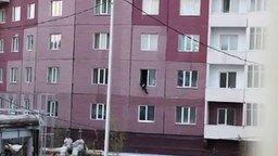 Смотреть Экстренная эвакуация через окно
