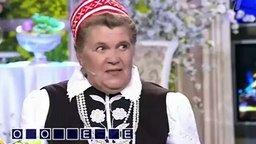 """Смотреть Хитрая и смешная бабуся на """"Поле чудес"""""""