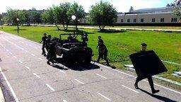 Смотреть Разборка УАЗа курсантами