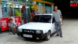 Авто- и мотоприколы смотреть видео прикол - 15:15