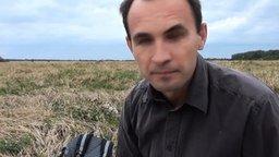 Защита от птичьего нападения смотреть видео прикол - 1:53