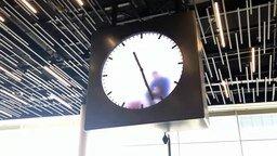 Смотреть Самые необычные часы