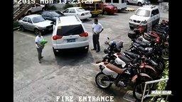 Смотреть Проделки горе-водителей