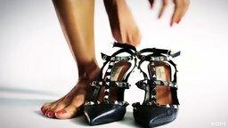 Смотреть История моды женской обуви за сто лет
