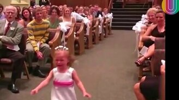 Смотреть Дети против свадеб!