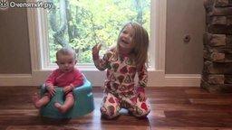 Смотреть Детские реакции на то, что родители съели их сладости - 2