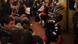 """Смотреть """"Продиджи"""" для пассажиров метро"""