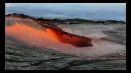 Смотреть Раскалённая вулканическая лава