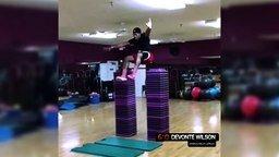 Смотреть Самый выносливый прыгун