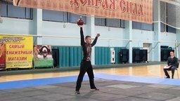 Смотреть Силовой жонглёр