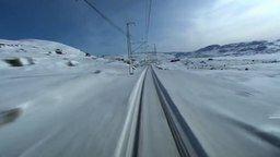 Смотреть Зимний пейзаж из кабины машиниста