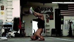 Смотреть Оригинальная тренировка для мужчины