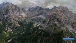 Смотреть Альпы.с высоты птичьего полёта