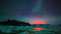 Смотреть Красивейшее северное сияние