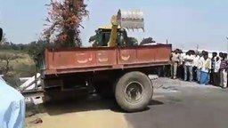 Упустили трактор смотреть видео прикол - 1:58