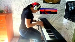 """Смотреть """"Я свободен"""" на пианино"""