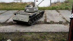 Смотреть Отличная модель танка ИС-2
