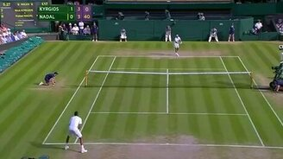 Смотреть Ловкий удар теннисиста