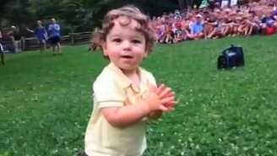 Маленький заводной танцор смотреть видео прикол - 1:04