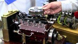 Смотреть Бензиновый минидвигатель V8