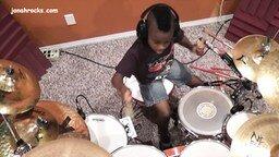 Смотреть Маленький удалой барабанщик