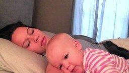 Смотреть Каково спать с ребёнком