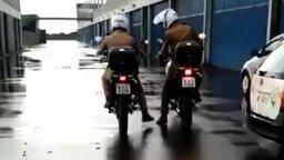 Смотреть Как непросто патрулировать улицы