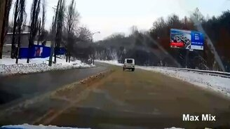 Какими везучими бывают водители смотреть видео прикол - 5:12