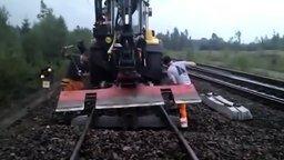 Как обновляют железную дорогу смотреть видео - 2:56