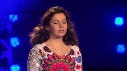 Скромная голосистая певица смотреть видео - 2:25