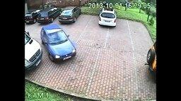 Самый сложный способ выехать с парковки смотреть видео прикол - 4:09