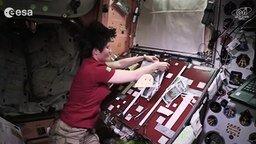 Смотреть Готовим еду в космосе