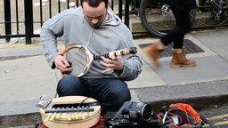 Смотреть Музыка на теннисной ракетке