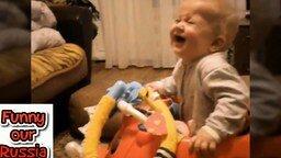 Смотреть Смешные ролики с детишками