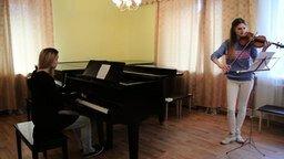 """Смотреть """"Беспечный ангел"""" на скрипке и пианино"""