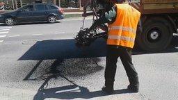 Смотреть Смена канализационного люка по-европейски