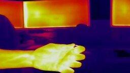 Смотреть Зажигалка в лучах тепловизора