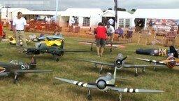 Смотреть Выставка радиоуправляемых моделей самолётов