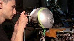 Смотреть Роспись мотоциклетного шлема