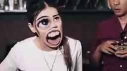 Когда девушка чихает смотреть видео прикол - 0:16