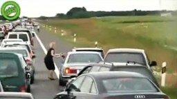 Сумасшедшие на дорогах смотреть видео прикол - 6:05