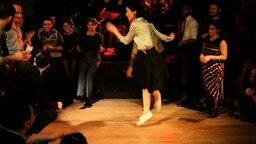 Смотреть Лёгкая танцевальная вечеринка