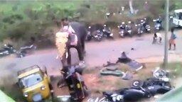 Когда не там припарковался в Индии смотреть видео прикол - 0:58