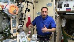 Смотреть Как приготовить оливье в космосе