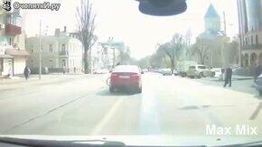 ДТП с вело-пешеходами смотреть видео прикол - 5:20