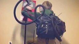 Человек-паук - инженер смотреть видео прикол - 0:46