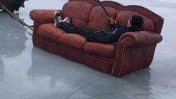 Когда устал играть в хоккей смотреть видео прикол - 0:56